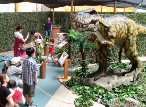 わくわく恐竜王国