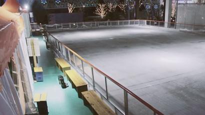 氷のスケートリンクができるまで